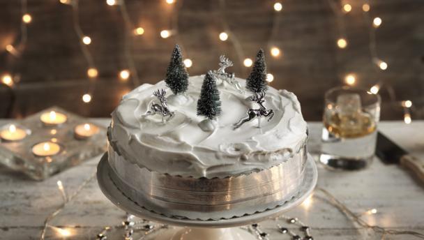 Christmas Cake Icing Ideas Uk : BBC Food - Recipes - Christmas cake