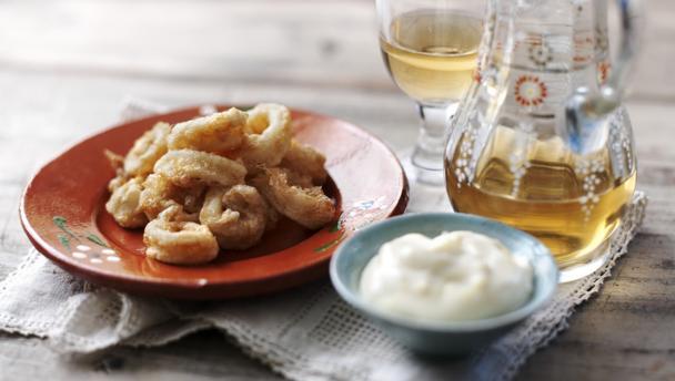 Deep fried calamari with garlic and lemon mayonnaise