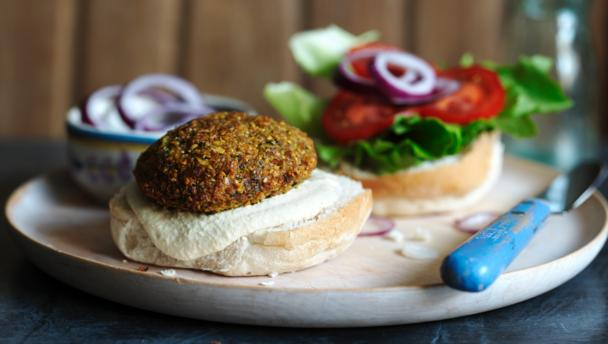 Falafel burger with hummus