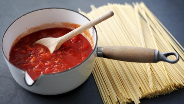 How to make a tomato sauce