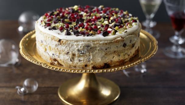 Bbc food recipes italian christmas pudding cake for Italian decoration food
