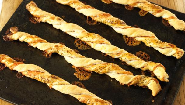 Jumbo cheese and ham straws