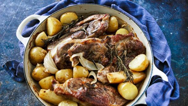 Winter lamb hotpot