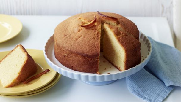Lemon Madeira cake with candied peel