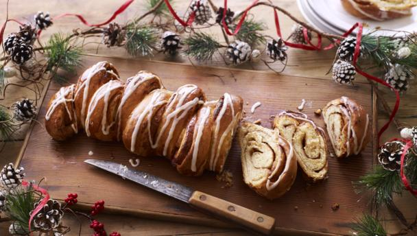 Bbc food occasions christmas recipes and menus christmas bread forumfinder Image collections