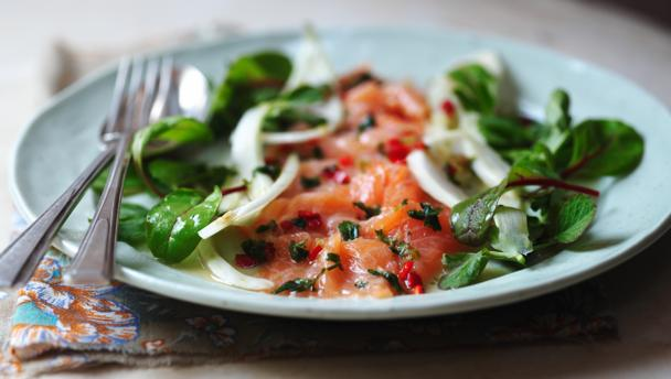 Salmon ceviche with fennel salad