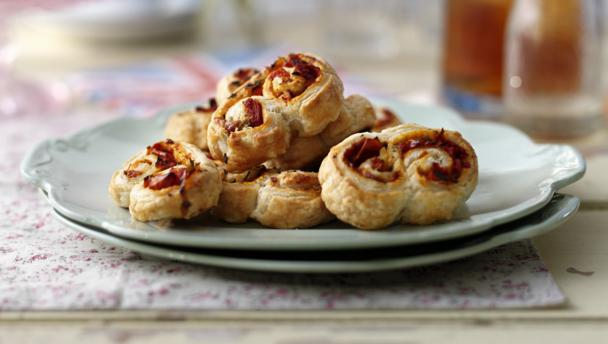 Sun dried tomato and rosemary palmiers for Puff pastry canape ideas