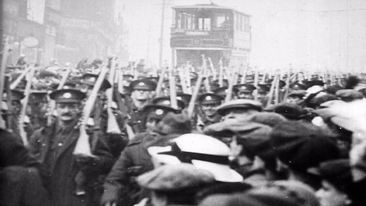 Bbc World War One At Home Fitzalan Square Sheffield Troops Parading Through The Streets
