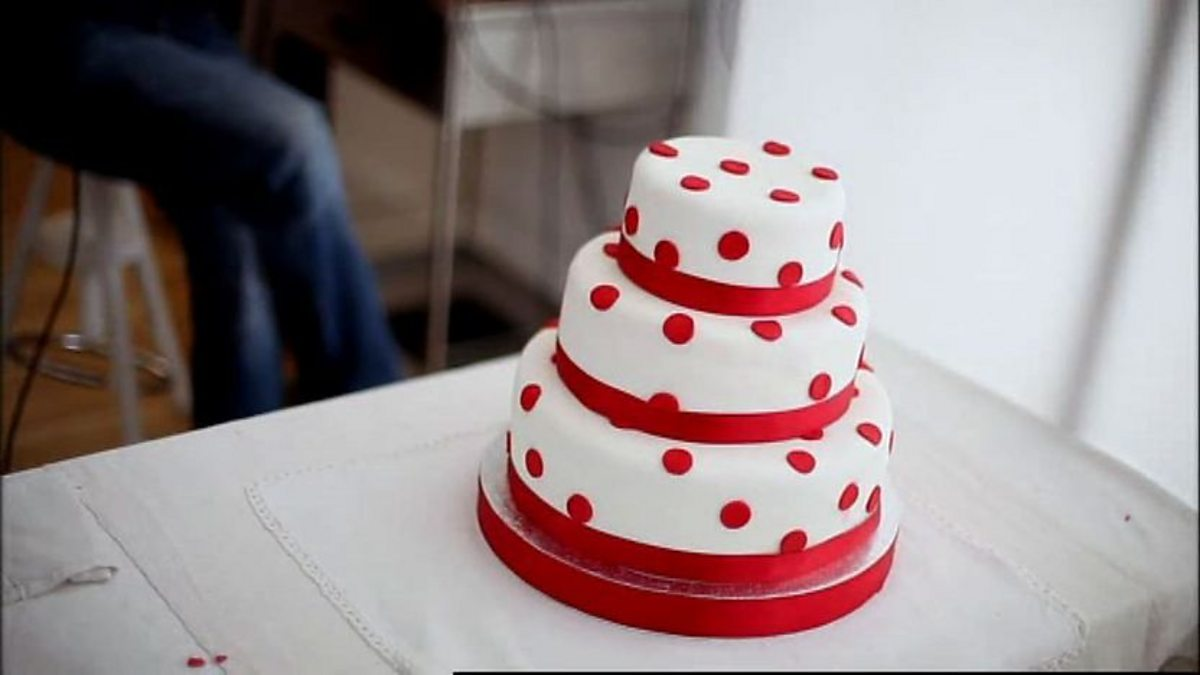 Bbc two baking made easy bake to impress three tier for Easy red velvet cake recipe uk