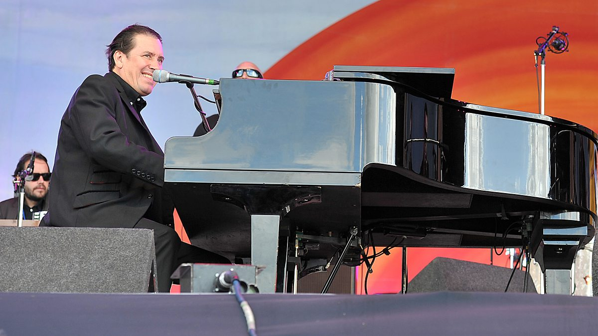 A Blackpool Big Band Boogie: Jools Holland And His Rhythm & Blues Orchestra - Episode 15-11-2019