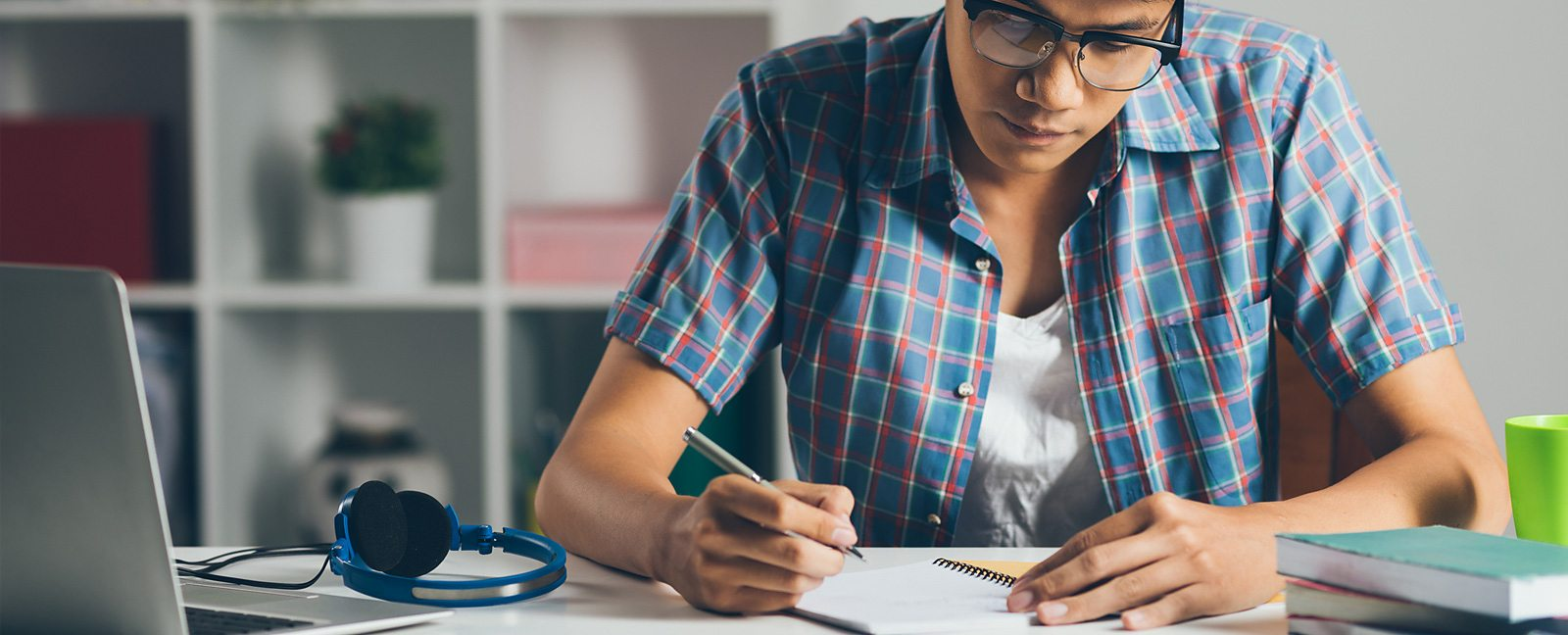 BBC Learning English - Go The Distance: Academic Writing – Essay on