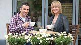Dafydd a Caryl ar Facebook