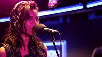 AlunaGeorge Live Lounge