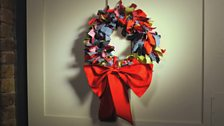 Image for How to make a fabric wreath
