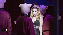 Sarah Tynan as Manon Lescaut