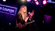 Meghan Trainor performs Lips Are Moving, a 5SOS cover, and All About That Bass!