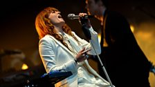 Florence + the Machine perform Ship to Wreck at Radio 1's Big Weekend in Norwich 2015