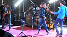 Blur perform live for 6 Music