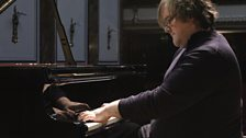 Christian Ihle Hadland rehearses at Wigmore Hall