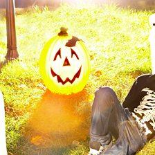 Cover art for Graveyard Girl