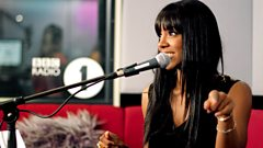 Kelly Rowland chats with Fearne