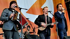 Bellowhead chat with Simon Mayo