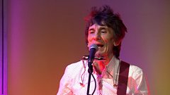 "Ronnie Wood: ""I'll bring it round your flat and play it to you!"""