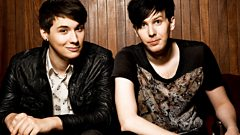 AmazingPhil and Danisnotonfire - Oli Sykes interview