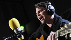 Gaz Coombes chats with Jo Whiley and Steve Lamacq
