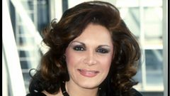 Connie Francis is inducted into Michael Ball's Singers Hall of Fame