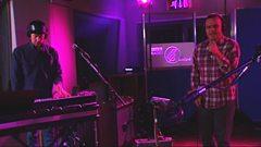 Future Islands - Doves (Live in Session)