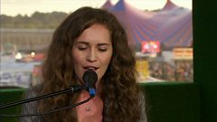 Rae Morris - Closer (Live on BBC Three)
