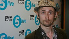 Neil Hannon (The Divine Comedy) performs a song from his new album