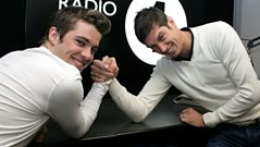 LIVE CAM: Joe McElderry arm wrestles Vernon!