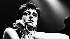 Siouxsie Sioux talks about stage fright