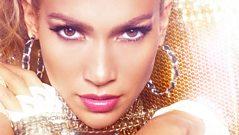 J Lo calls the show