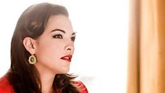 Steve Wright talks to Caro Emerald