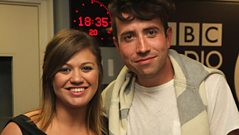 Kelly Clarkson chats to Grimmy!