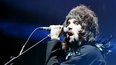 Jo Whiley chats to Kasabian about the Brit Awards