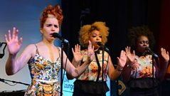 Paloma Faith - Picking Up The Pieces Live Lounge