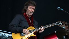 Steve Hackett chats to Liz Kershaw