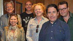 Mick Hucknall joins Jools Holland in the studio