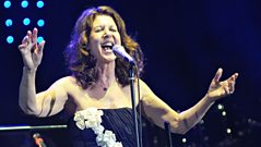 Elkie Brooks chats to Jools Holland