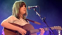 Gabrielle Aplin chats to Alice Levine