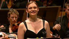 Elizabeth Appleton sings soprano Ladies of Paris