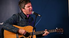 Noel Gallagher sings If I Had a Gun