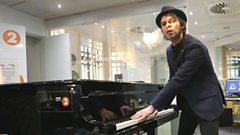 Gaz Coombes covers 'Eternal Flame' for Chris Evans