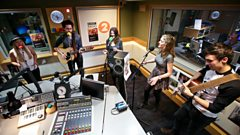 Ward Thomas and The Shires collaborate in session