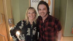 Gaz Coombes chats to Jo about going solo