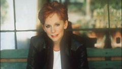 Reba McEntire is inducted in to Michael Balls Singers Hall of Fame